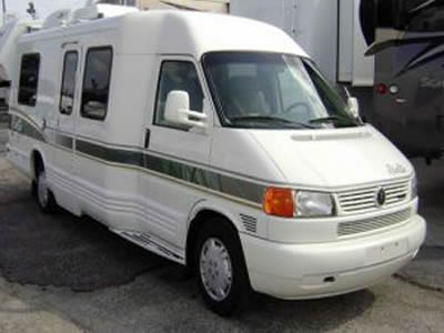 Image of a Well Maintained 1998 Winnebago Rialta For Sale